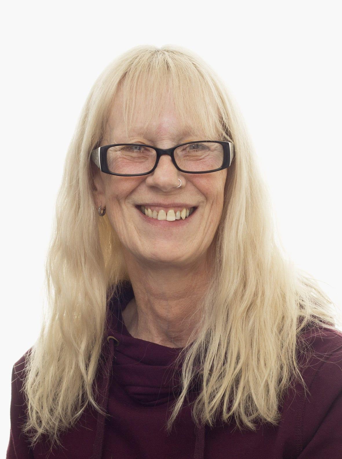 Julie Earl